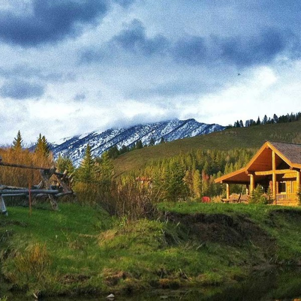 Wyoming Fly Fishing Lodges