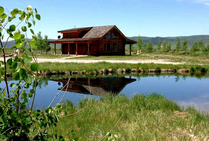 Wyoming Fishing Lodge Spring Creek Meadows Feathered Hook